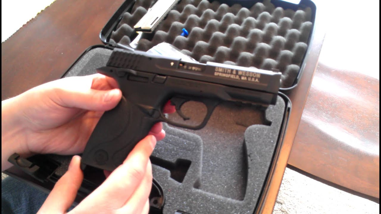 Smith And Wesson 12039 Unboxing: Smith And Wesson M&P22 .22 Unboxing, Field Strip Detailed