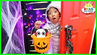 Ryan Trick or Treat in Halloween Box Fort Maze!!!