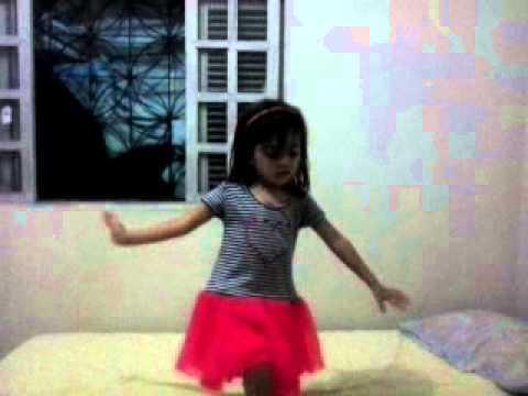 Baixar Lara dança Girl On Fire - Bianca e Zyah