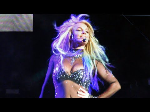 7 MINUTES of Britney Spears Slaying With 'Mermaid Hair'