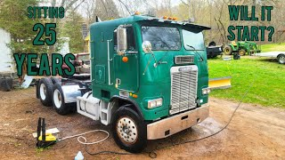 "Sitting 25 years! Will it start? Freightliner cabover Big cam Cummins""Jolly Green Giant"""