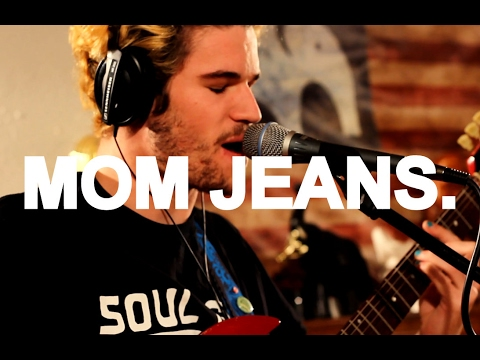 Mom Jeans. -