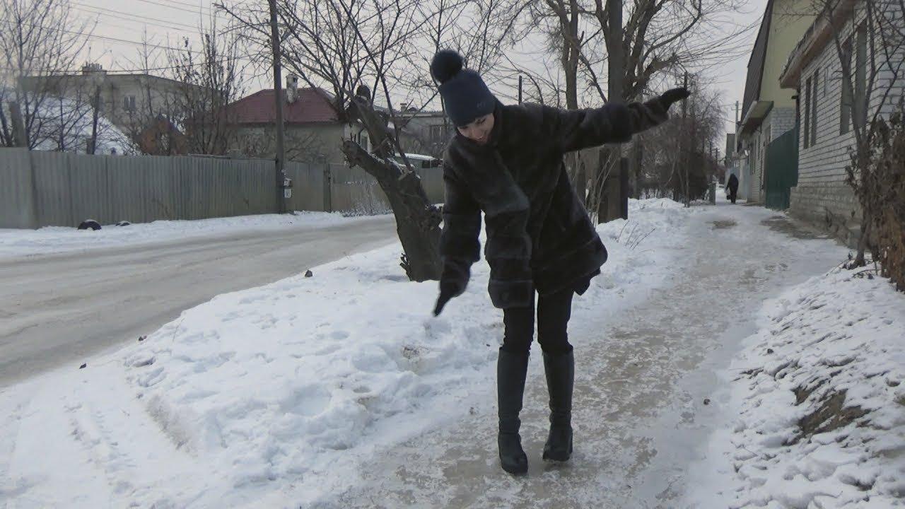 Волгоград: власти не справляются с гололедом