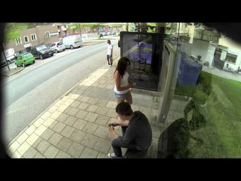Master Photoshop na autobusnoj stanici