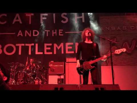 Catfish and The Bottlemen - Sidewinder (KC Live 10.9.15)