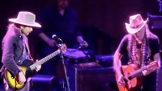 willie-nelson-and-his-son-cover-django-reinhardts-nuages-live-at-the-fillmore-jan-6-2020-hd.jpg