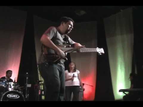 los instrumentos alaban a DIOS !!!