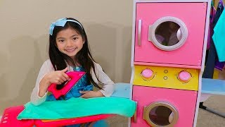 Emma Pretend Play at Laundry Store w/ Washing Machine Toys