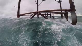 Frying Pan Tower waves