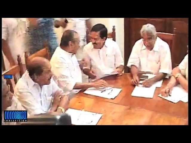 K Karunakaran's Resignation is in Vain; K Muraleedharan Mocks at Oommen Chandy