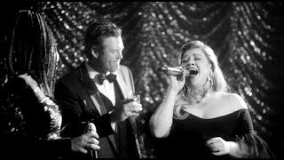 Kelly Clarkson & The Voice Coaches Sing 60s Inspired Songs By Frank Sinatra & Nina Simone