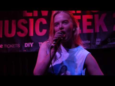 Dream Wife - Hey Heartbreaker live Arts Club, Liverpool 01-11-16