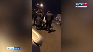 В Омске полицейский сбил на дороге школьника