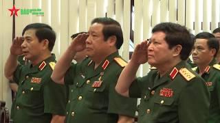 Trao Huy hiệu Đảng tặng Đại tướng Phùng Quang Thanh và Đại tướng Ngô Xuân Lịch - Báo QDND
