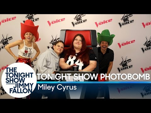 Jimmy and Miley Cyrus Photobomb Fans