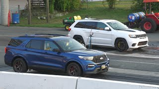 Wait.. What?? Jeep SRT vs EcoBoost V6 Ford Explorer - SUV's drag racing (4K)