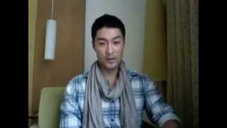 Johnny Trí Nguyễn nói tiếng Anh