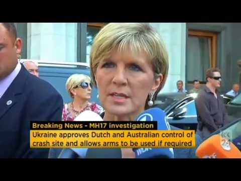 Baixar Julie Bishop welcomes Ukraine vote to allow arms into MH17 site