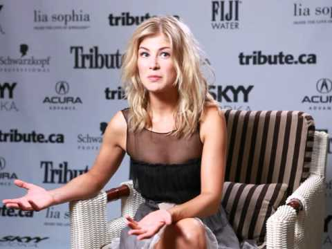 Rosamund Pike -- Barney's Version Interview - YouTube