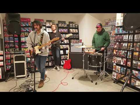 Black Foxxes - Breathe (live at HMV Bristol 19.03.18)