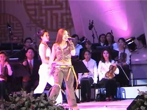 BoA - Valenti [2003.04.26] Fancam