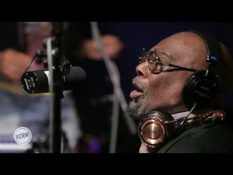 Funkadelic (feat. George Clinton) performing