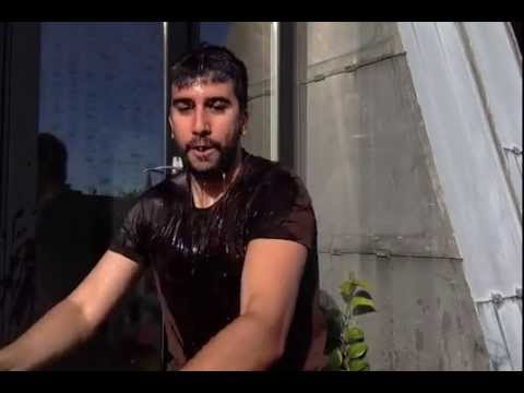 SocialBro's Javier Burón takes on the Ice Bucket Challenge to raise awareness for ALS!