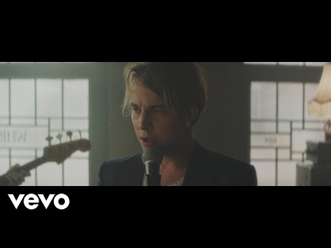 Tom Odell - Go Tell Her Now (Official Video)