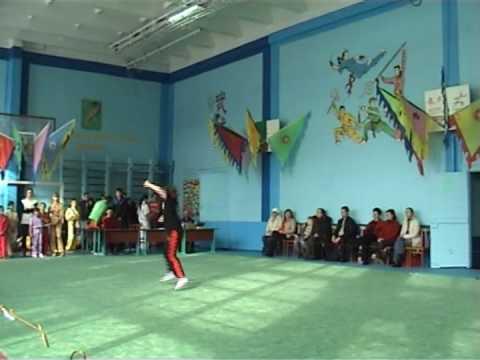 Выступление - кулак - Загорець Роксолана.avi