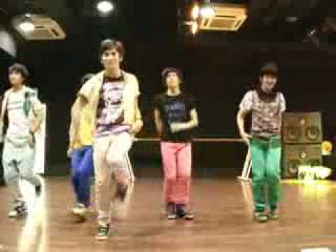SHINee REPLAY DANCE...super cute taemin...