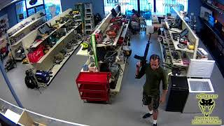 Pawn Shop Looky Lou Turns Into Robbery | Active Self Protection