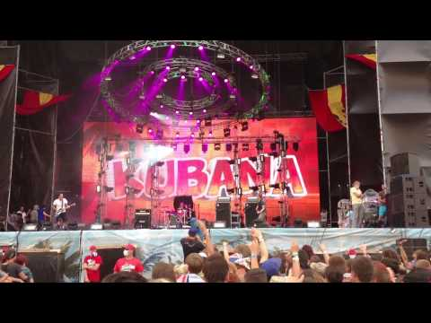 Кирпичи - Водка-плохо! (Live at Kubana Festival)