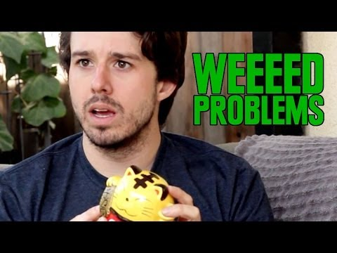 10 Problems Only Pot Smokers Understand - Smashpipe Entertainment