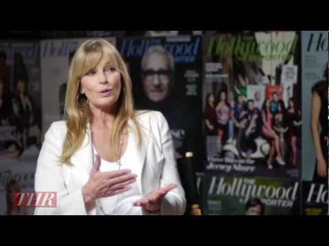 Bo Derek Sets Her Political Record Straight - YouTube