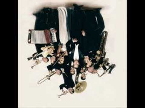 Max Raabe & The Palast Orchester - Upside Down