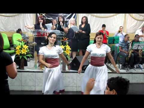 Baixar COREOGRAFIA DA MUSICA RECEBA RENOVO BEATRIZ ANDRADE
