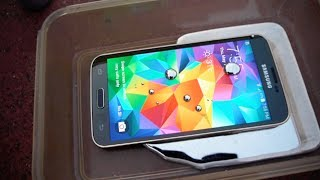 Samsung Galaxy S5 in Liquid Mercury Test