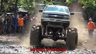 CHEVY BOGGERS GIVING IT %100 ON THE PIPELINE!!! MUD TRUCKS