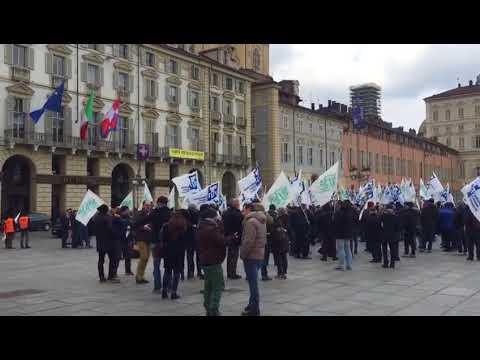 Manifestazione Torino: gli operatori manifestano sotto la Regione Piemonte