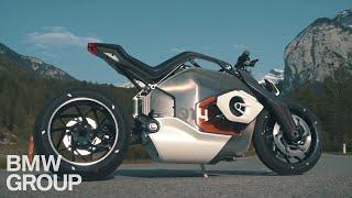 BMW Vision DC Roadster : la moto électrique du futur en vidéo