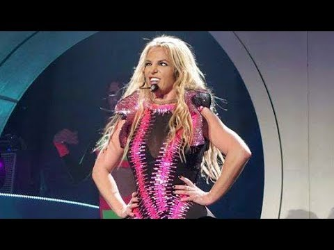 Britney Spears - Best Moments of Pretty Girls (Live From Las Vegas)