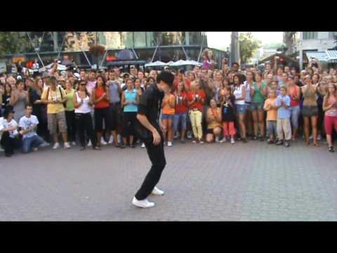 Billie Jean imitation on a Flashmob in Budapest