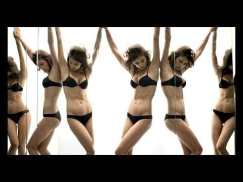 Irina Shayk tung video vô cùng sexy gợi nhớ Ronaldo