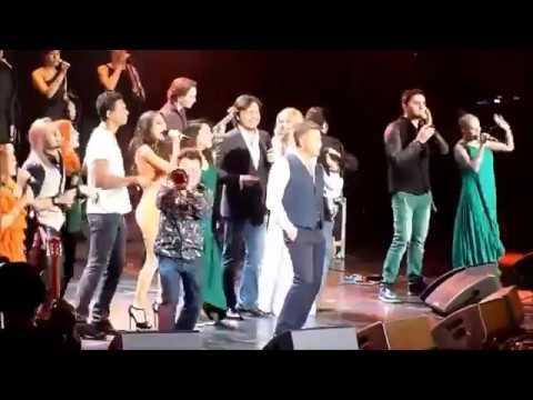 Леонид Агутин и участники шоу