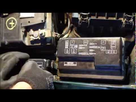 1995 toyota corolla fuses locations how to replace fuses and fix headlight fuse error toyota ...