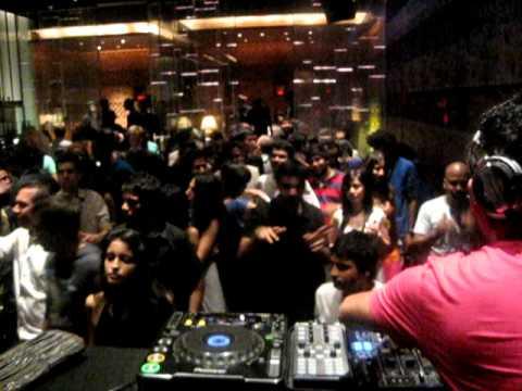 Ankytrixx @ China House. Mumbai 26.11.2010.avi