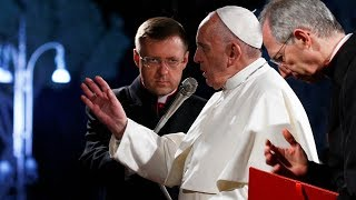 Pope leads Good Friday procession