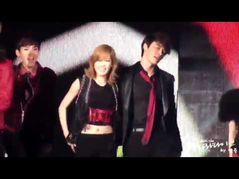Donghae & Taeyeon - Moves Like Jagger (Fancam)