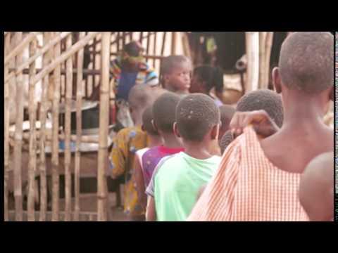 Baixar Gaga Tuci - Mama Africa {Official Music Video}
