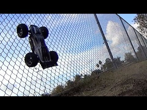 E-Revo Brushless - backflips - 6S